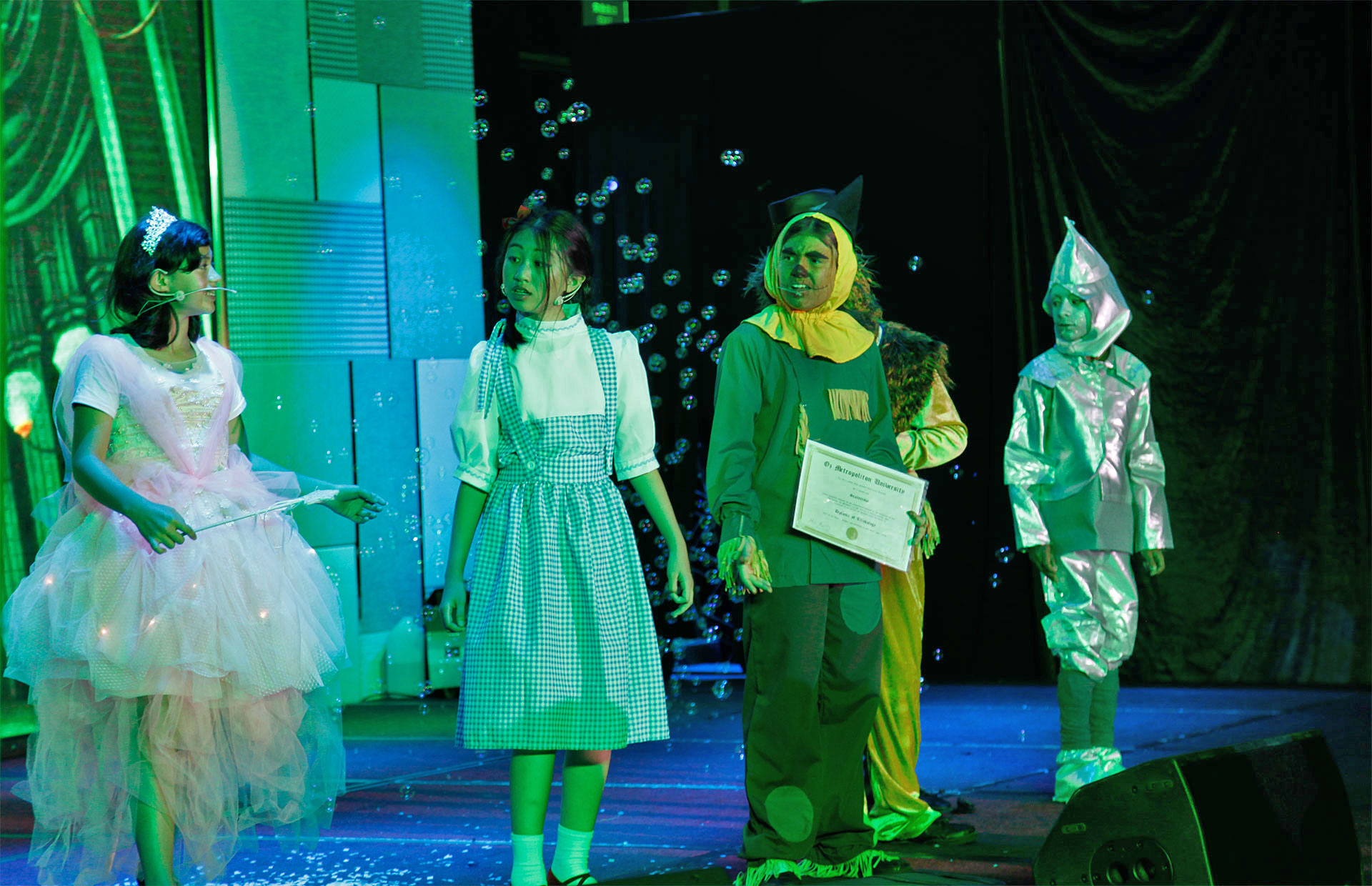Follow The Yellow Brick Road!【The Wizard of Oz】